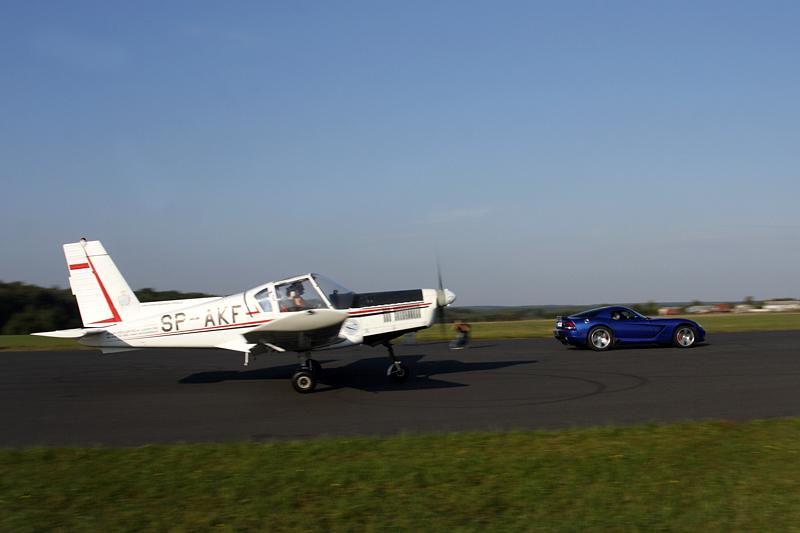 viper vs. samolot